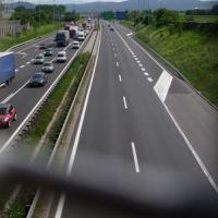 Rekordowe korki na A1. Zdezorientowani kierowcy szukają czynnych bramek, żeby opłacić przejazd